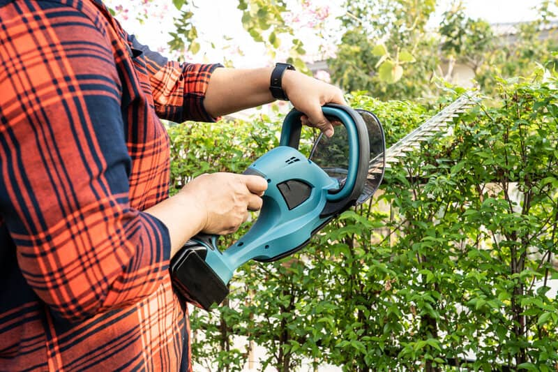 Most powerful hedge trimmers UK